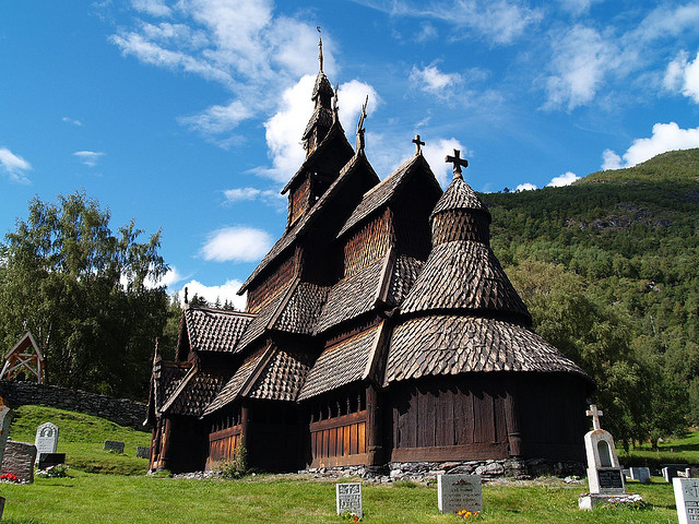 iglesia-en-madera-noruega
