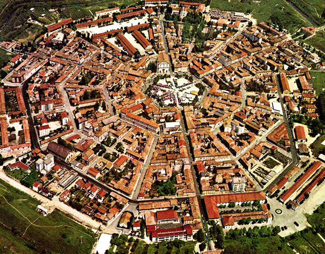 pueblos, Italia