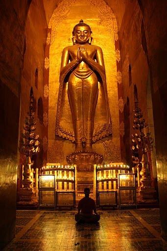 Mimetizándome en los fabulosos interiores de las pagdas milenarias birmanas