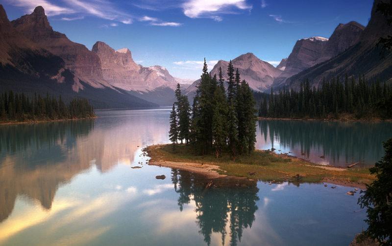 maligne-lago-canada