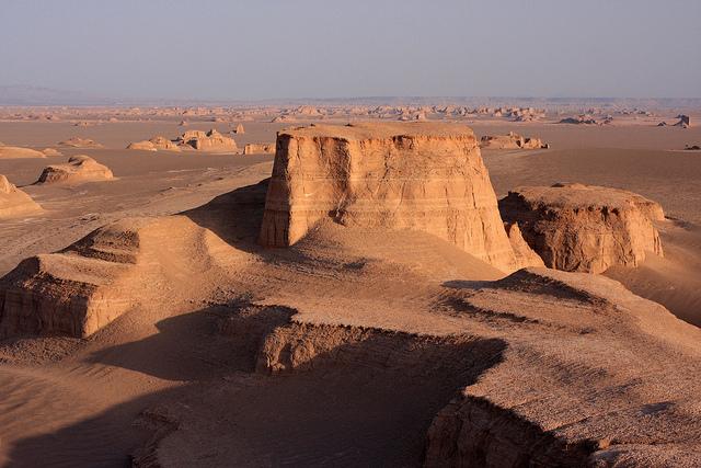 kaluts-lut-iran-desert