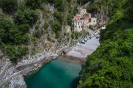 """Un pequeño pueblo escondido, y 8 pueblos """"colgados"""" en la Costa Amalfitana (Italia)"""