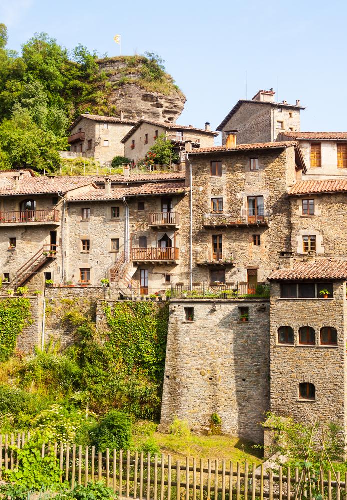 Un pueblo arca medieval a un paso de barcelona rupit i pruit 101 lugares incre bles - Casa rural en rupit i pruit ...