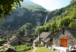 Entre los pueblos suizos que parecen sacados de un cuento (y escondido en la montaña), Foroglio