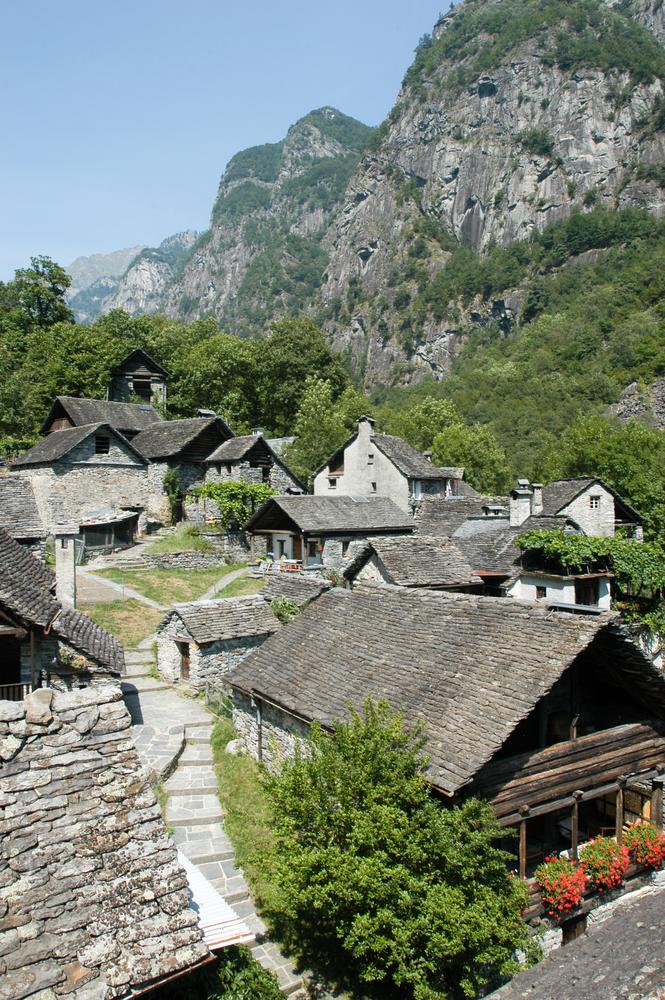 foroglio-suiza-pueblo