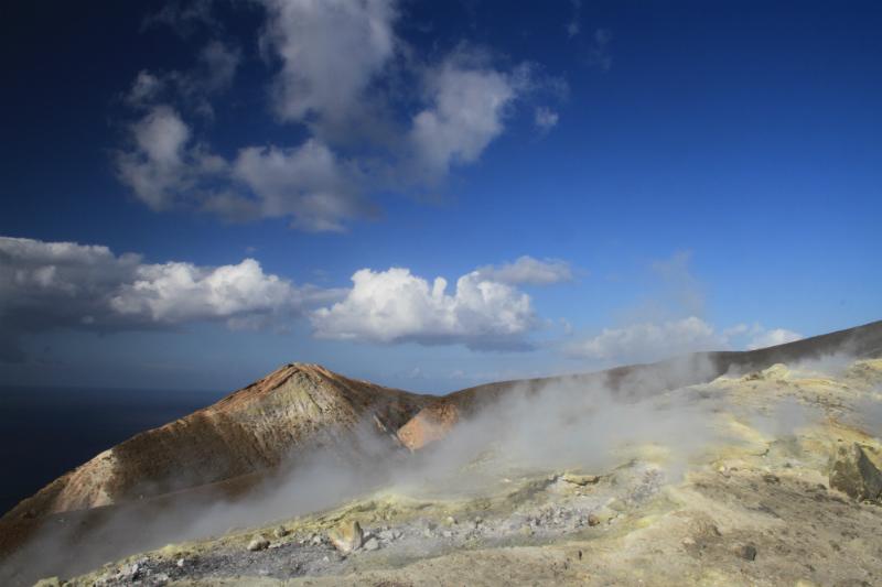 isla-vulcano-eolias-10