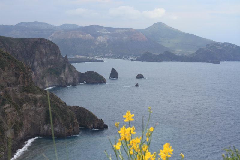 isla-vulcano-eolias-12