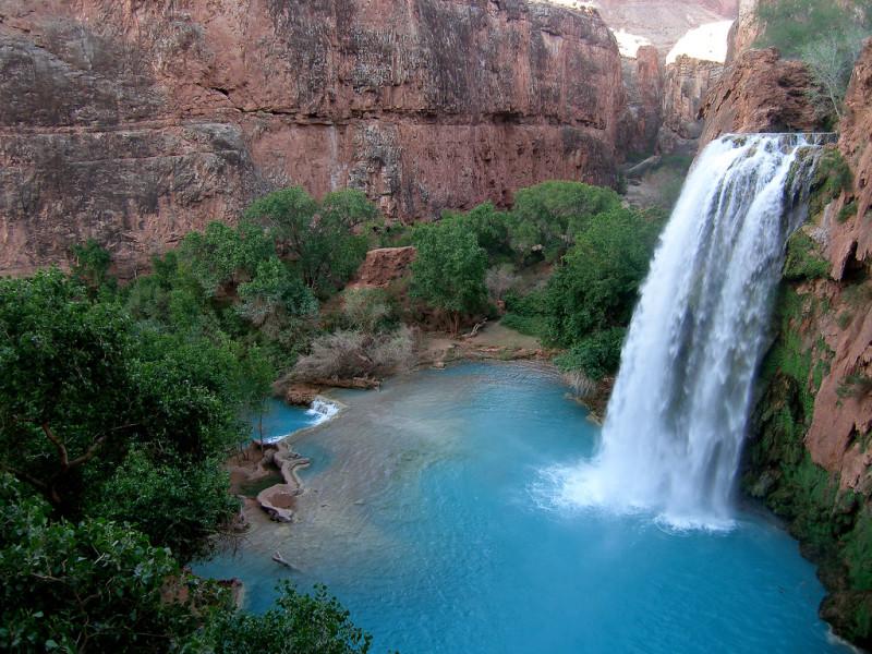 Las cascadas de agua azul verdosa en arizona 101 for Cascadas para patios