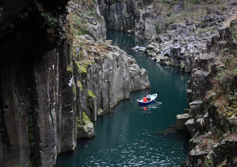Takachiho-kyo-gorge-japan