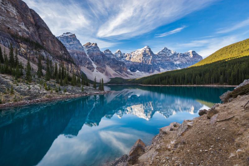 valle-ten-peaks-canada