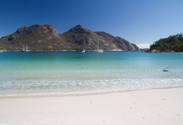 Wineglass_Bay_2