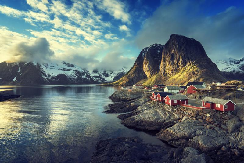 un pueblo que parece una maqueta en noruega reine 101. Black Bedroom Furniture Sets. Home Design Ideas