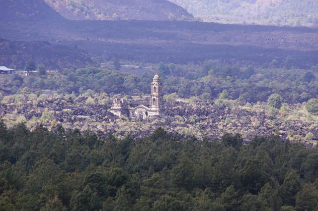 iglesia-paricutin-mexico