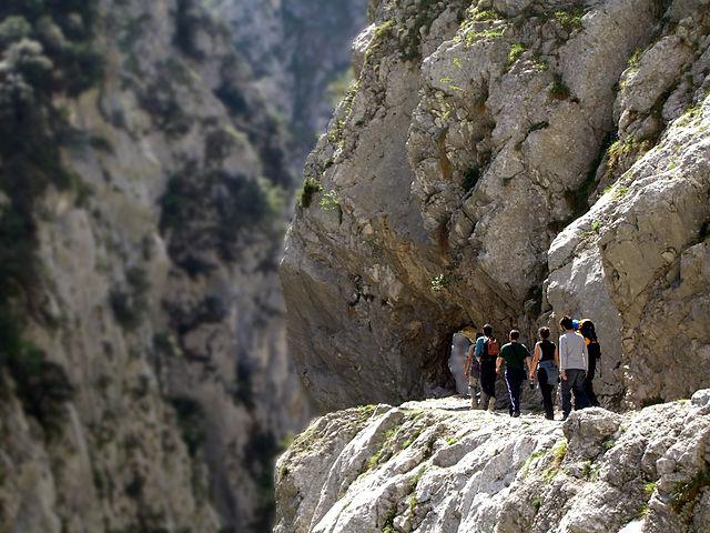 Un paseo por una garganta de aguas turquesa en España (Ruta del Cares) - 101 Lugares increíbles