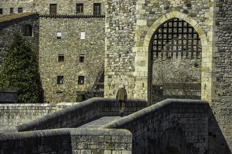 puente-medieval-de-besalu