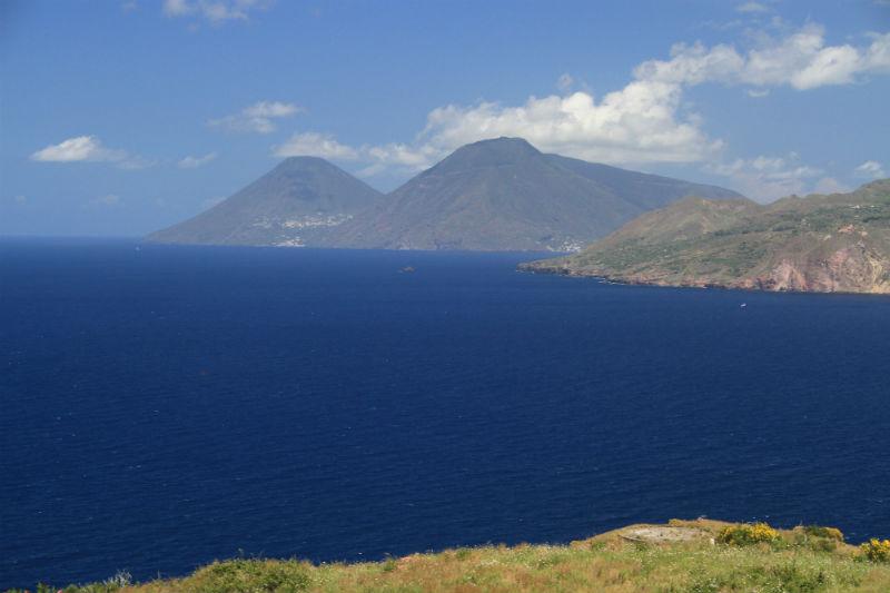 isla-vulcano-eolias-02