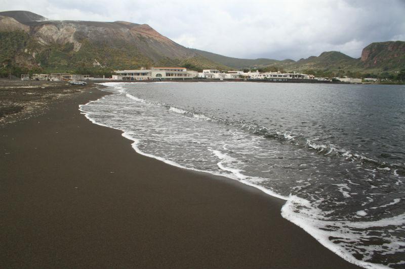 isla-vulcano-eolias-05