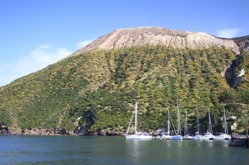 isla-vulcano-eolias-07