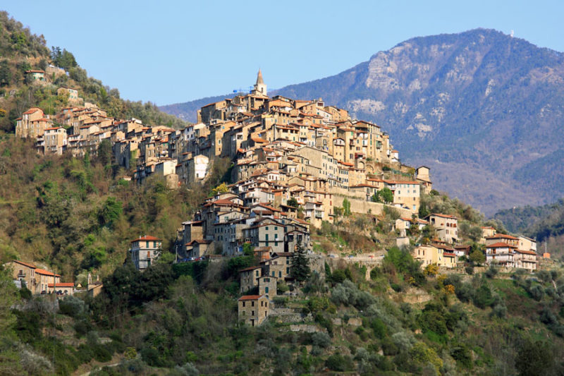 Apricale_panorama