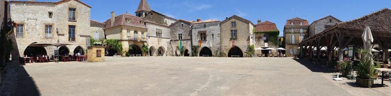 Monpazier_Place_des_cornieres