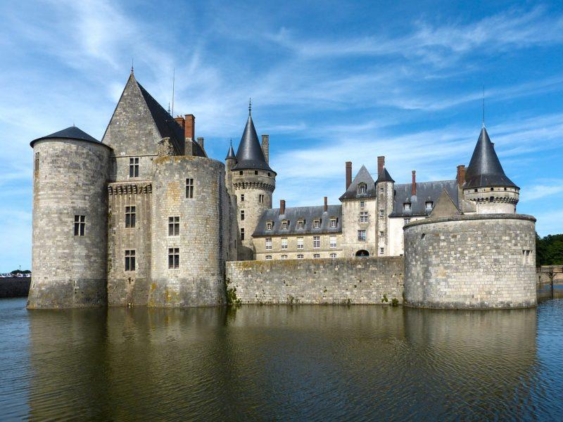 castle-1250497_1280