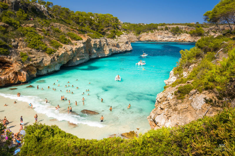 Estas 10 playas de espa a parecen piscinas naturales y for Vacaciones piscinas naturales