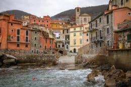 Este pueblo colgado junto al mar es uno de los más bonitos de Italia (Tellaro)