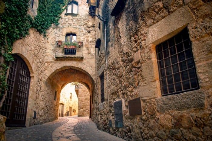 """Un pueblo que parece un """"arca"""" medieval en España (Pals) - 101 Lugares increíbles"""
