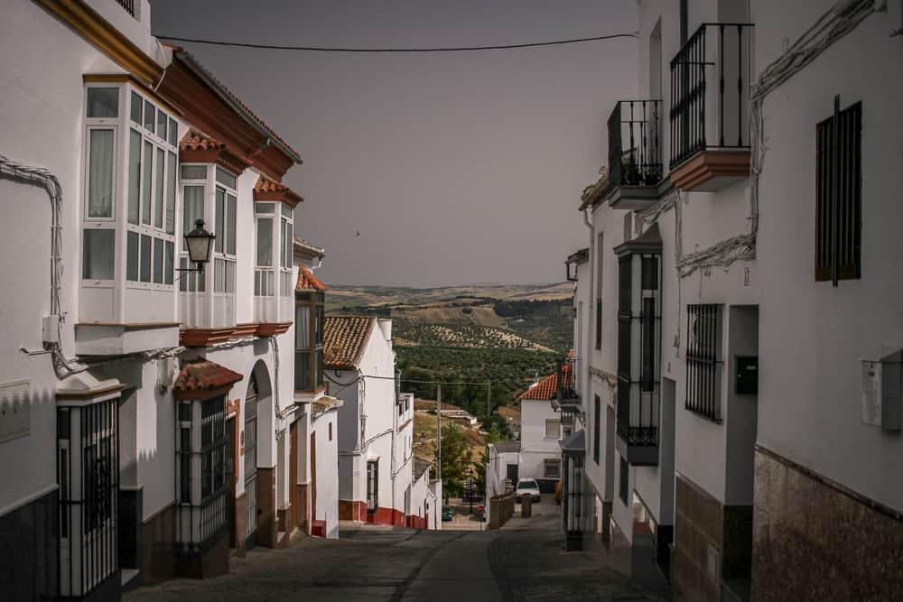 Este es uno de los pueblos más bonitos en la Ruta de los Pueblos Blancos (Olvera) - 101 Lugares increíbles