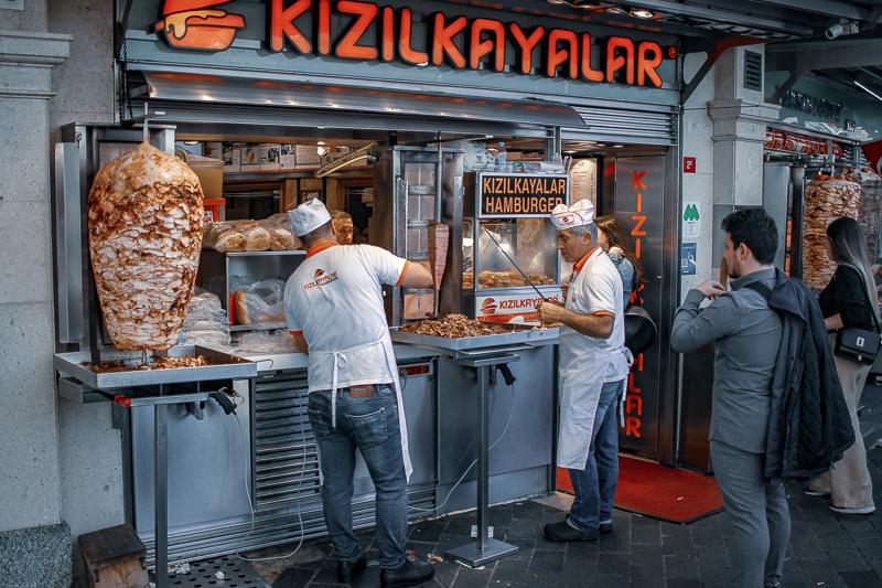 Comer en Estambul platos típicos de la cocina turca