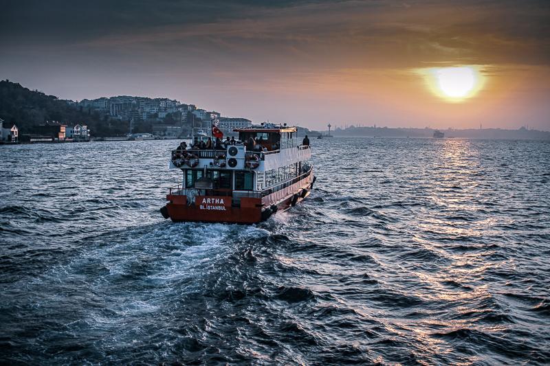 El ferry es uno de los modos de transporte para moverse en Estambul