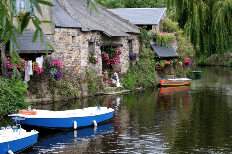 pueblos medievales bonitos en Bretaña Francesa